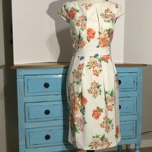 ModCloth floral dress 🥰it has pockets!!